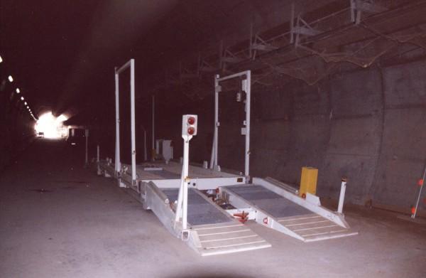 Retourneur de camion pour le tunnel de Socatop